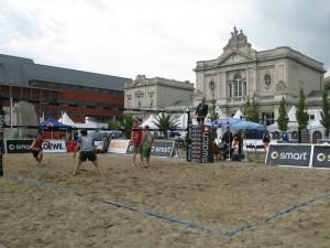 beachvolley_op_het_martelarenplein_leuven_2