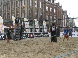 beachvolley_op_het_martelarenplein_leuven_3