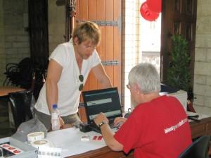 Gene Thomas tijdens bloedinzamelactie in Leuven - 1