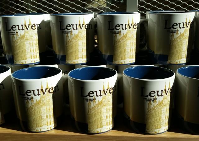 Starbucks Leuven station: tassen