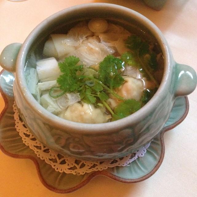 Kiew Nam: soep met Thaise ravioli
